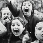 Alfred Eisenstaedt - Children at a Puppet Theater - Paris