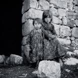 Village girls, Kanlidivane (Kanytellis)
