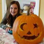 Mina and the pumpkin