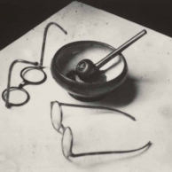 Andre Kertesz - Mondrian's Glasses and Pipe