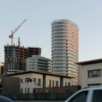 More construction, obsessed with curved structures