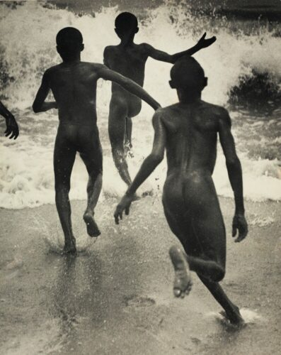 Martin Munkacsi, Boys in the surf at lake Tanganyika