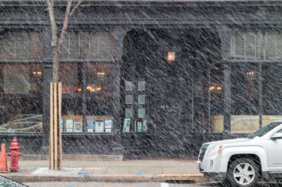 Mills Tavern in Snow
