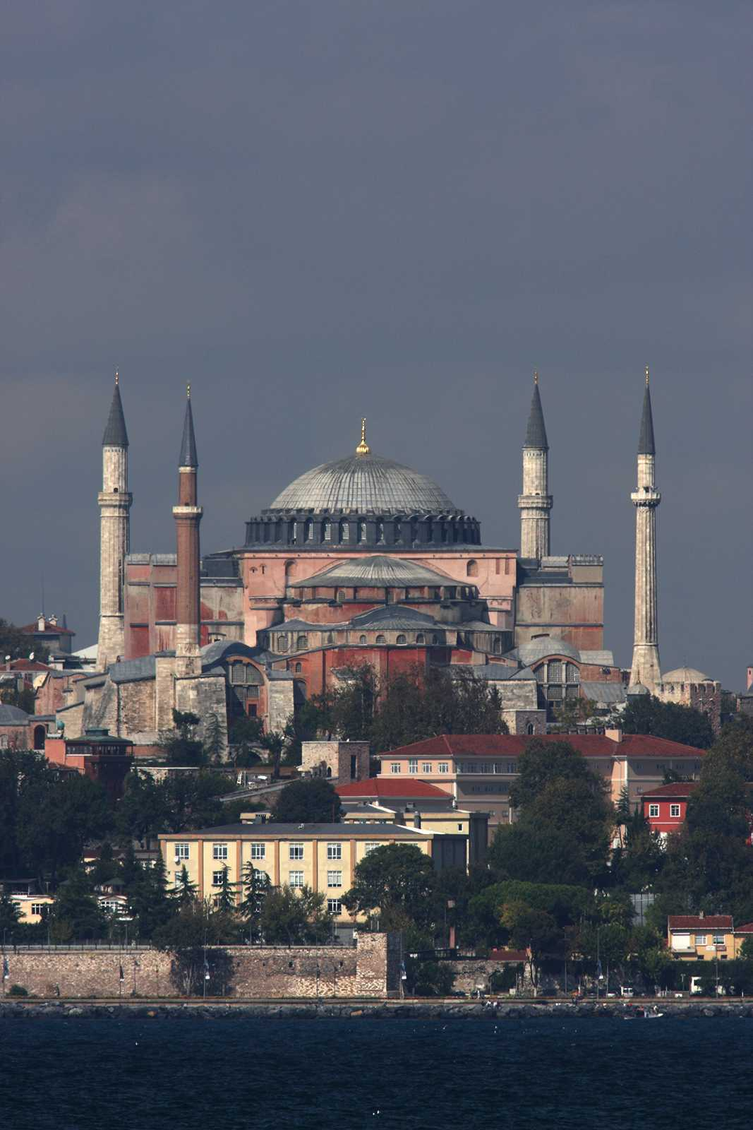 Hagia Sophia from Kadikoy showing practically no perspective effect.