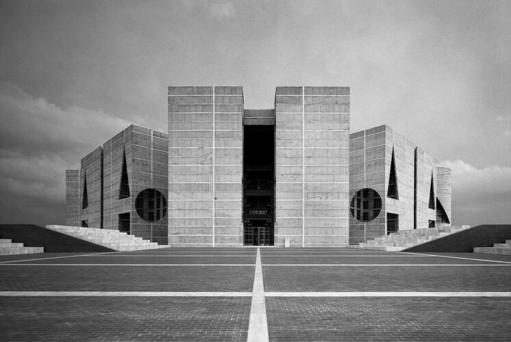 National Parliament House, L. Kahn, 1986. Balancing the strong vertical and horizontal lines with angular entrances.